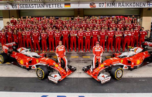 2016赛季F1收官战阿布扎比站比赛举行,图为各队赛季末大合