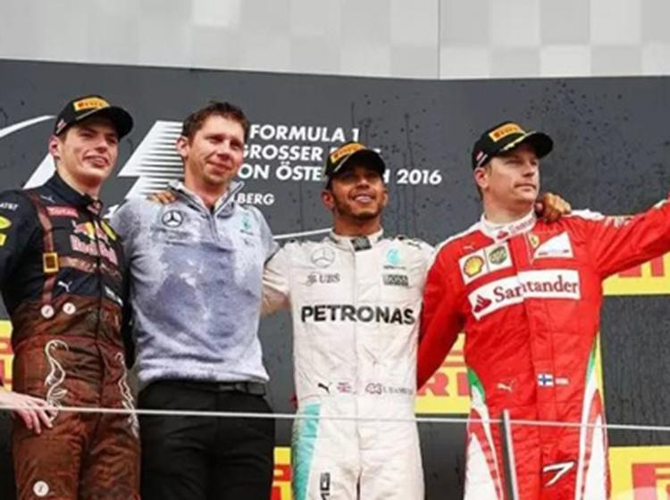 F1奥地利站:奔驰内斗继续 汉密尔顿夺冠
