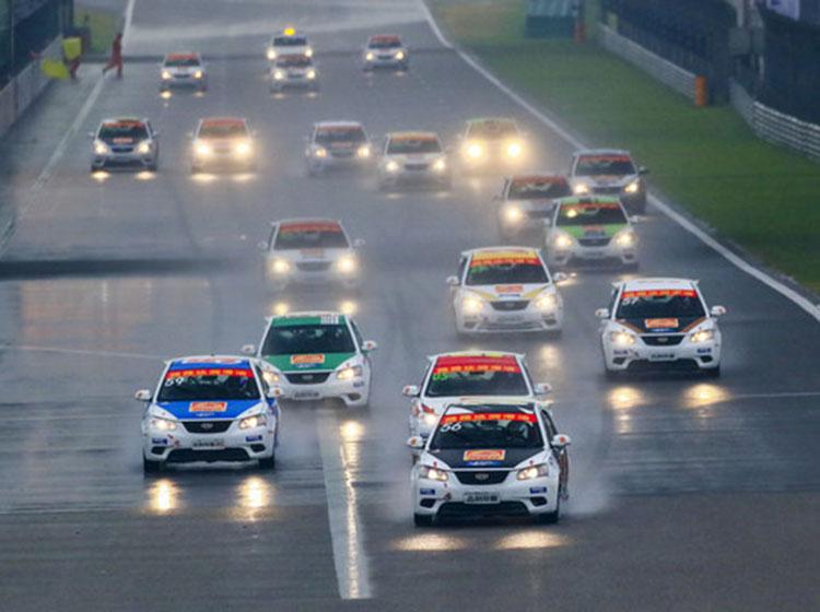 2016木兰精英赛 上海国际赛车场的雨天激烈角逐
